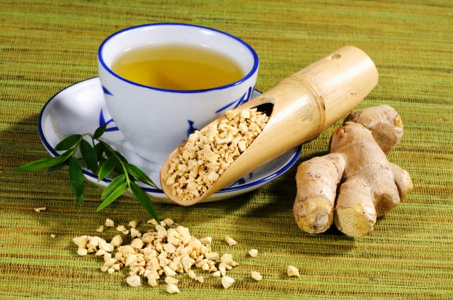 17 Mar 2010 --- Ginger tea and dried ginger root --- Image by © the food passionates/Corbis